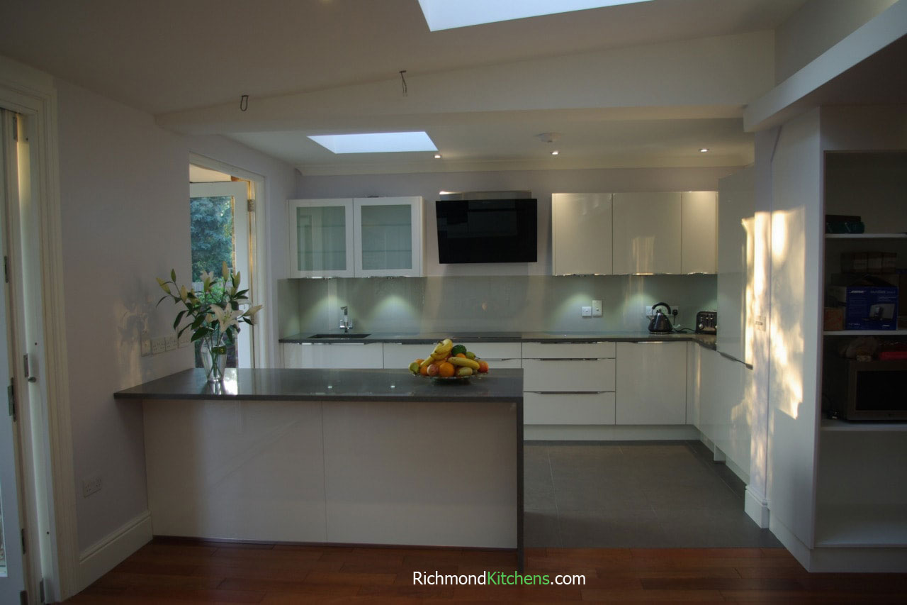Kitchen showrooms brentford richmond kitchens for Kitchen design richmond va