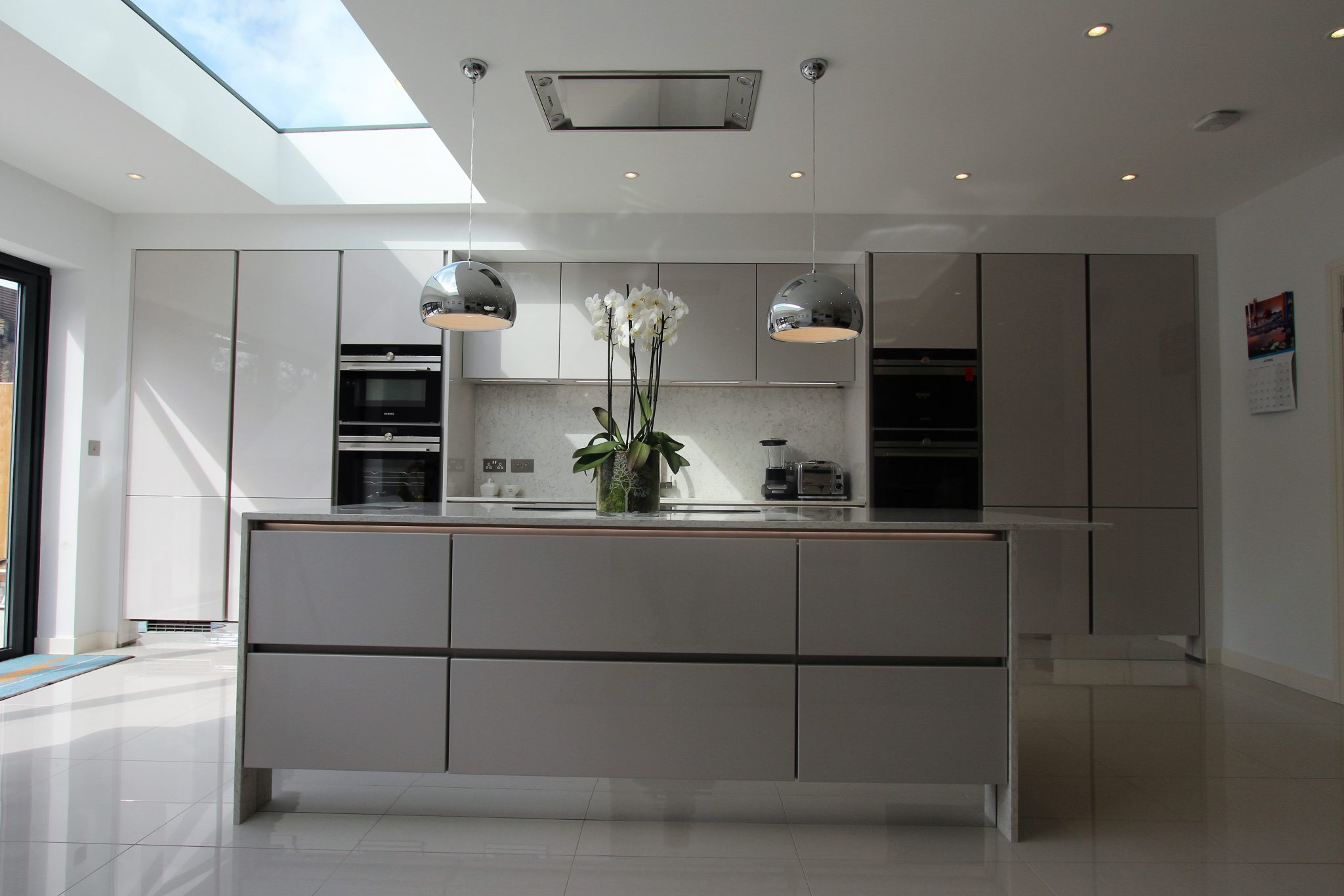 Handle-less German Kitchen Raynes Park